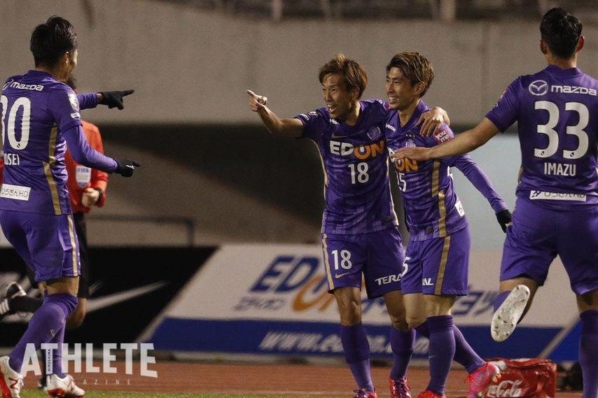 "<div class=""caption"">J1リーグ公式戦では、未だ無敗を保っているサンフレッチェ広島。</div>"