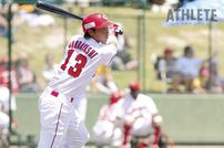 """<div class=""""caption"""">2009年ドラフト2位で入団した堂林翔太選手。プロ1年目は二軍で野手としての経験を積み、スラッガーへの道を歩んでいった。</div>"""