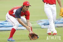 """<div class=""""caption"""">プロ2年目までは内野手登録だった鈴木選手。</div>"""