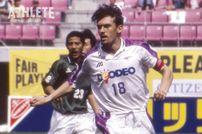 """<div class=""""caption"""">1997年〜2001年にかけて在籍したポポヴィッチ。チームの要としてサンフレッチェの強固な守備を支えた。</div>"""