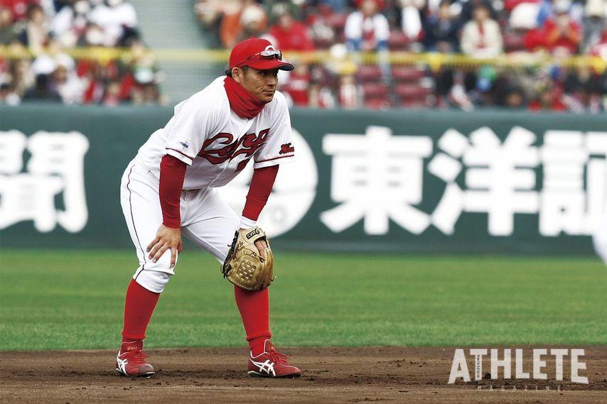 """<div class=""""caption"""">2013年ドラフト3位でカープに入団した田中広輔選手。1年目から開幕一軍入りを果たすと、打率.292、9本塁打、34打点、10盗塁を記録し、即戦力野手として期待に応えた。</div>"""