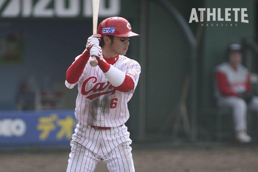 "<div class=""caption"">球団野手では1984年の小早川毅彦以来、二人目となる新人王に輝いた梵英心氏。</div>"