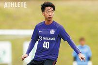 """<div class=""""caption"""">ジュビロ磐田への期限付き移籍を経て、2018年にサンフレッチェに復帰した川辺駿選手。2019年にはリーグ戦全試合に出場した。</div>"""