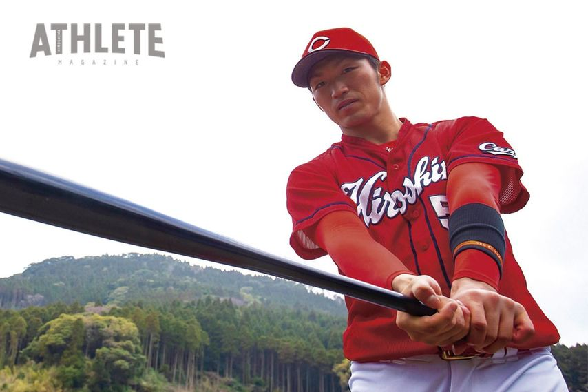 "<div class=""caption"">2015年の春季キャンプでの一コマ。この年、鈴木選手は前年の36試合を大幅に上回る97試合に出場した。</div>"