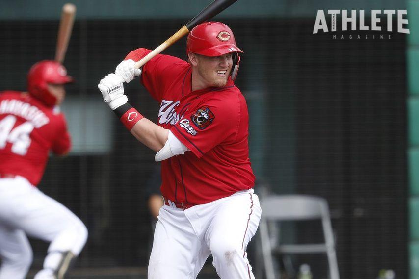 "<div class=""caption"">4月25日の巨人戦で、3月31日の阪神戦以来となる本塁打を放ったクロン選手。</div>"