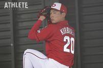 """<div class=""""caption"""">全く危なげのない投球でプロ野球記録に並んだ栗林良吏投手。</div>"""